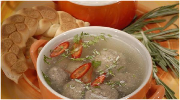 Суп с кнелями из говяжьей печени